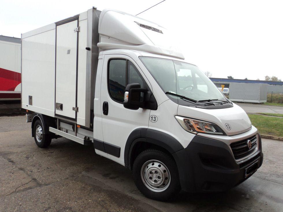 Pojazdy dostawcze chłodnie lub mroźnie kontenery typu bus Fiat Ducato lub Iveco Daily